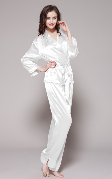 450_white_long_notched_collar_silk_pajamas_set_for_women